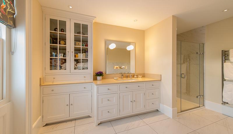 kitchen cabinet fitting